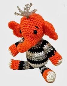 http://translate.google.es/translate?hl=es&sl=en&tl=es&u=http%3A%2F%2Fwww.lonemer.com%2F2013%2F11%2Fcheers-happy-elephant-free-amigurumi.html