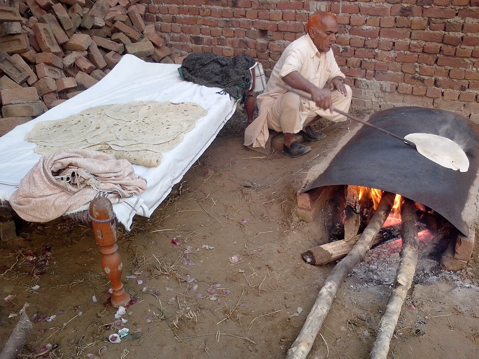 pro-makes-loaves-kaloh-pakistan