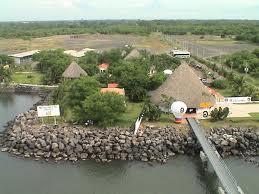 puerto quetzal guatemala, un puerto, un muro de piedras, Guatemala Quetzal port, a harbor, a stone wall,