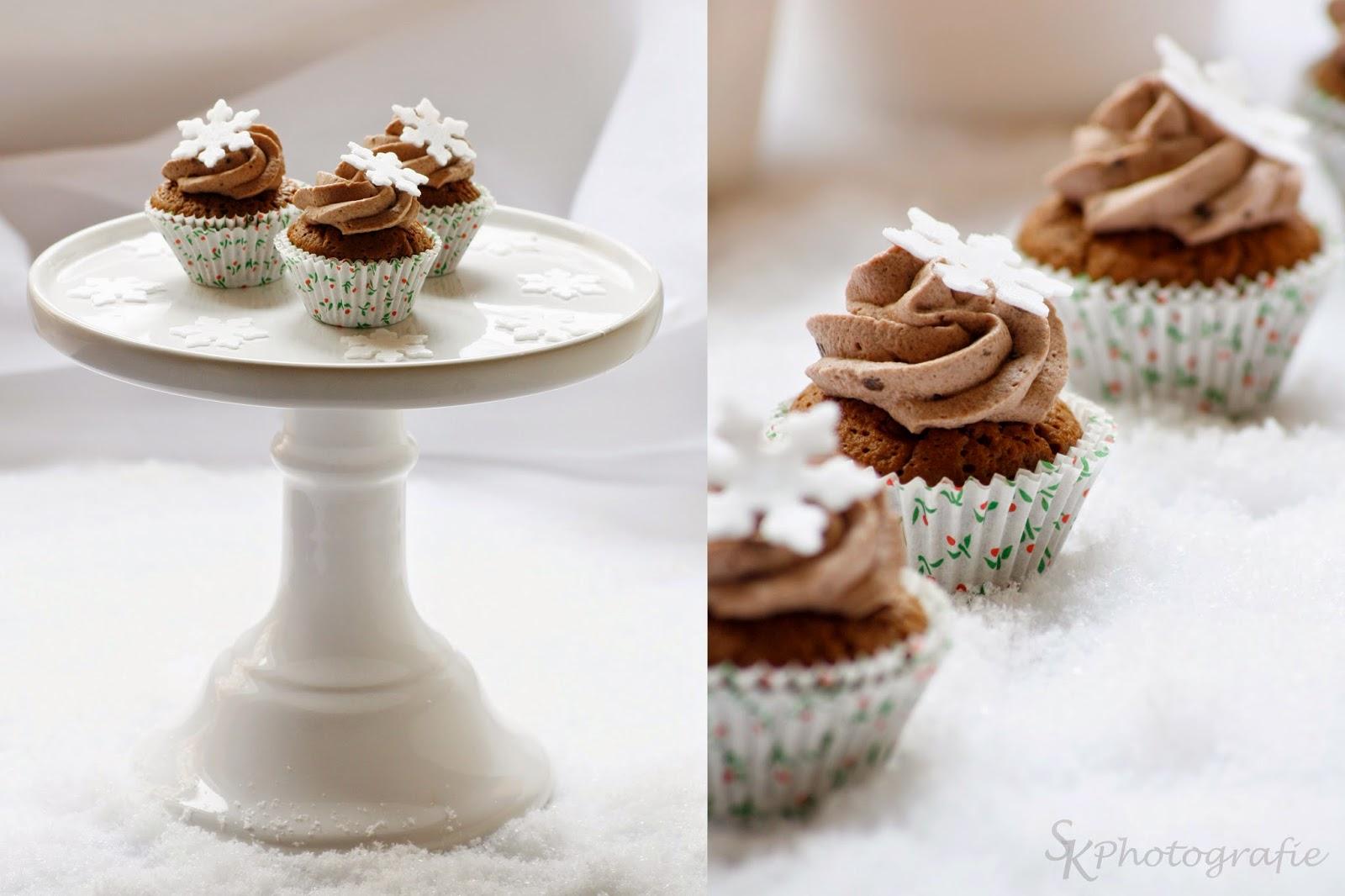 alles und anderes weihnachtliche lebkuchen cupcakes mit. Black Bedroom Furniture Sets. Home Design Ideas