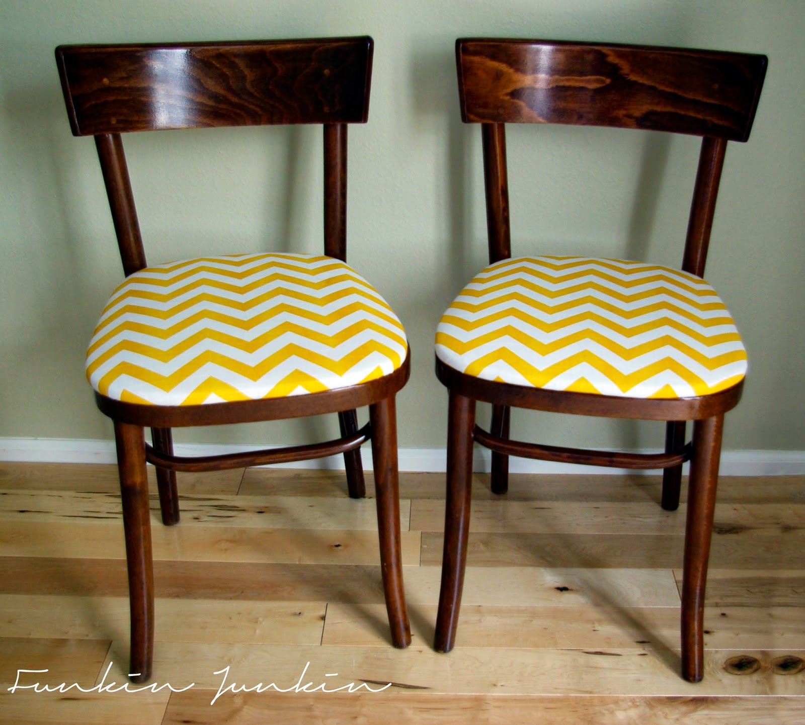 Thonet Bentwood Chairs With Chevron Seats