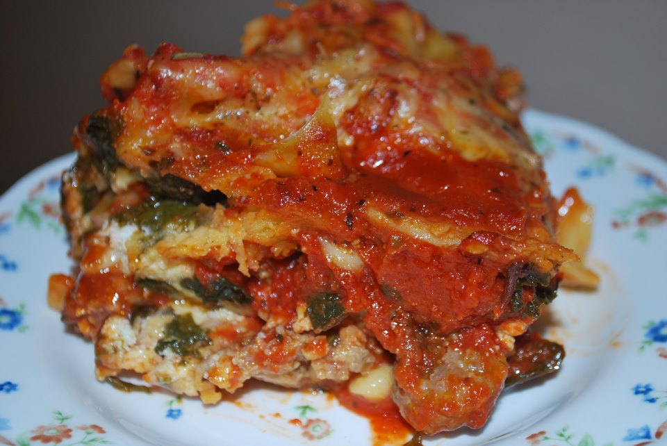 Chicago Foodie Sisters: Spinach and Sausage Lasagna
