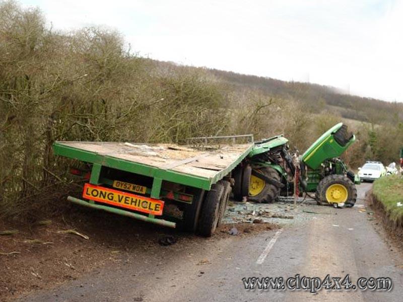 Tractors Farm Machinery John Deere Accident