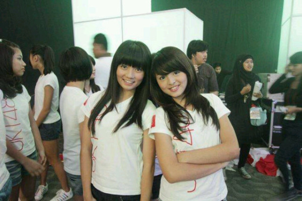 Stella JKT48 dan Jeje JKT48 at backstage