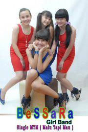 Blogs World: Koleksi Foto Girl Band Bessara