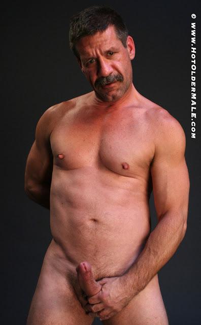 gay tanned boyz