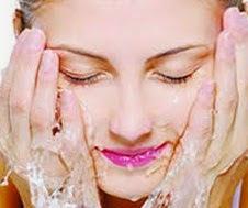 Tips Mencuci Muka yang Benar