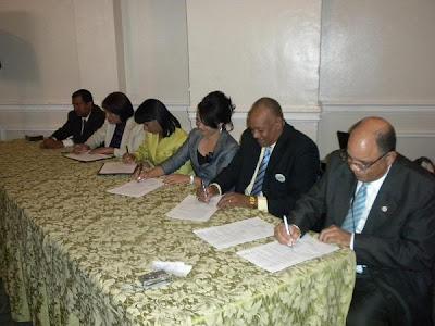 Dirección Regional de Salud y las Gerencias de Áreas de Salud en esta región, llevaron a cabo Firma de Convenio de Gestión