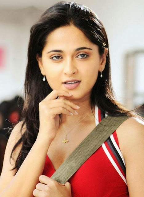 Good Looking Anushka Shetty Wallpaper
