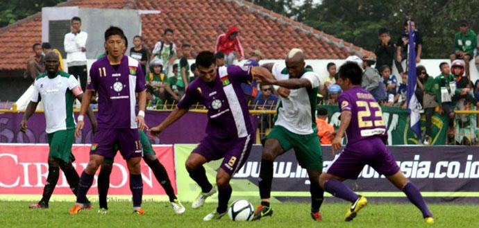 Prediksi Skor Persita Tangerang vs Pelita Bandung Raya 15 Juni 2013