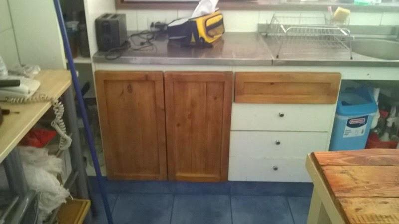 Restaurado de muebles de cocina con - Cocinas con palets ...