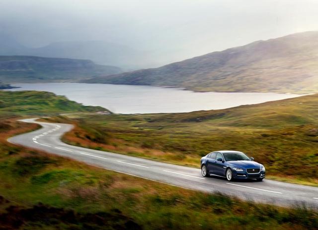 2016 Jaguar XE blue