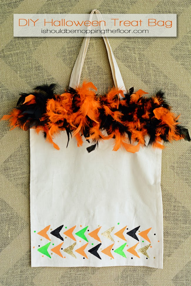 DIY Halloween Treat Bag | Simple jazzed up bag for all that candy!