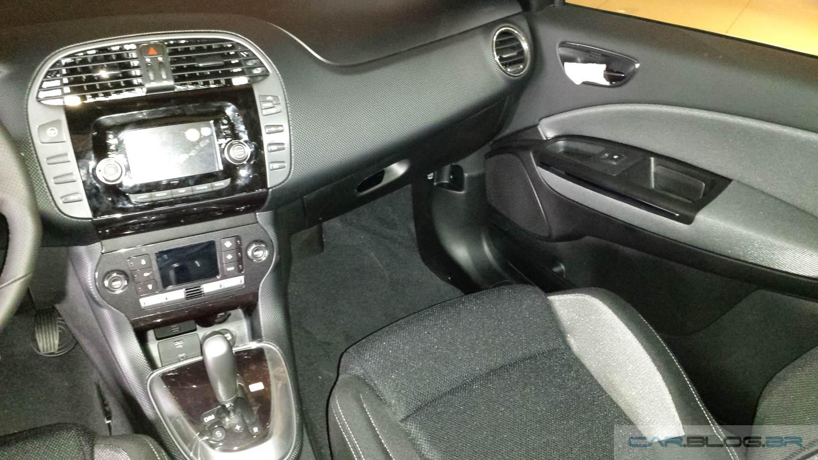 Fiat Bravo Sporting 2016 Preto Vesúvio Dualogic - interior