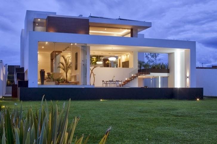 Backyard of Casa del Agua by Almazán Arquitectos Asociados