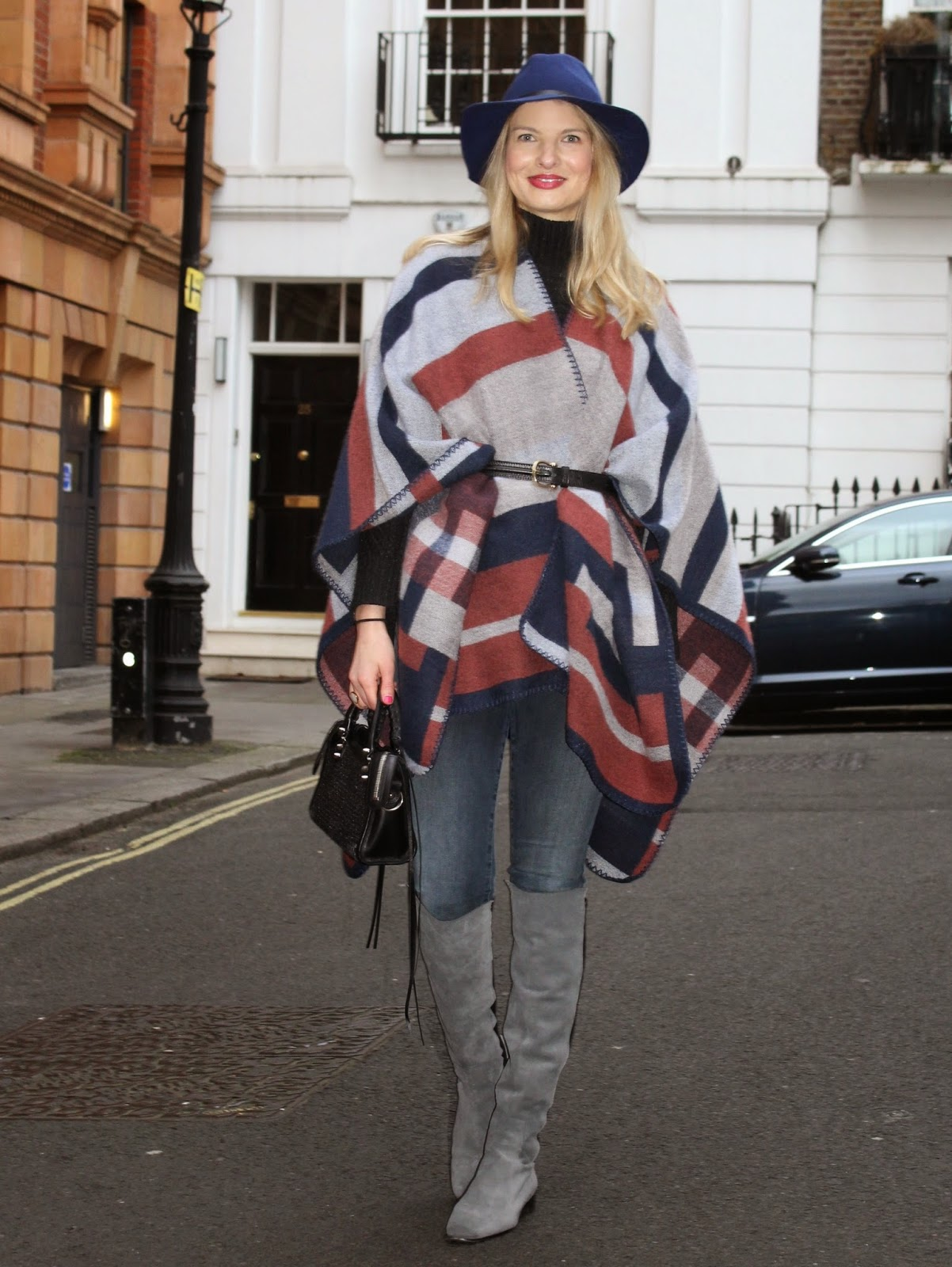 street style london, zara overknee boots, flat overknee boots, grey overknee boots, balenciaga bag, fashion blogger, german fashionblogger, shop noir bracelet, spiky bracelet
