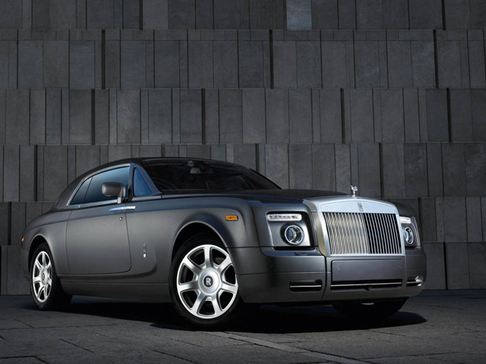 Wallpapers rolls royce phantom coupe car wallpapers for Wallpaper roll