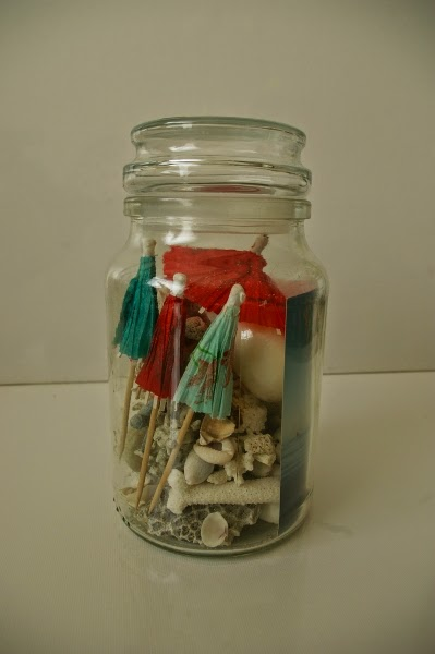 mementos-placed-in-jar