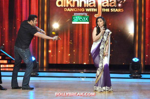 Salman Khan, Madhuri Dixit - (15) - Salman & Katrina on the sets of 'Jhalak Dikhhla Jaa 5'