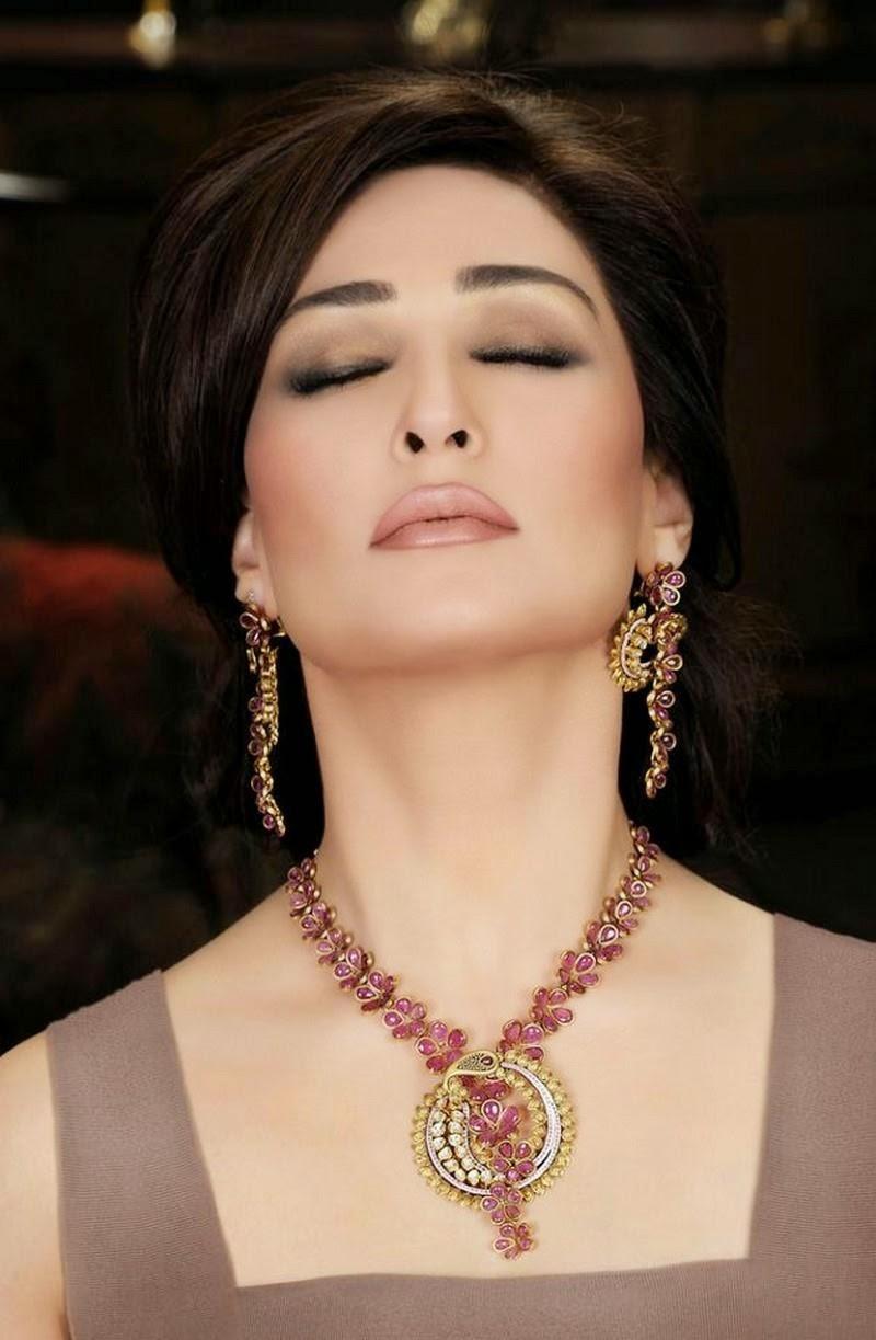 I am fine! - Reema Khan Receives COVID-19 Vaccine In the