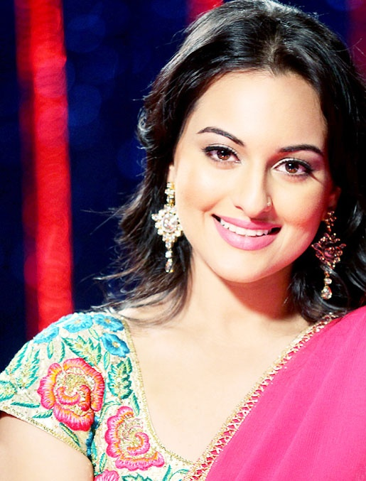 Sonakshi Sinha Beautiful Pics in Red Dress