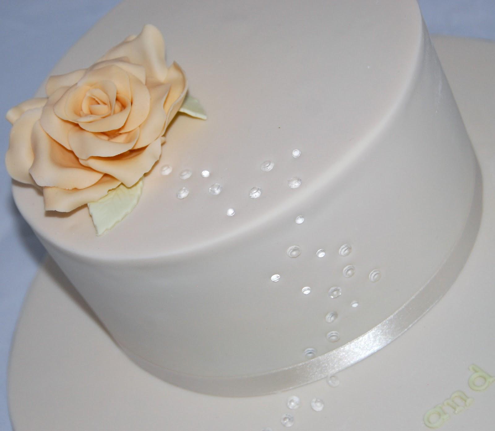 Little Robin: Diamond Wedding Anniversary Cake