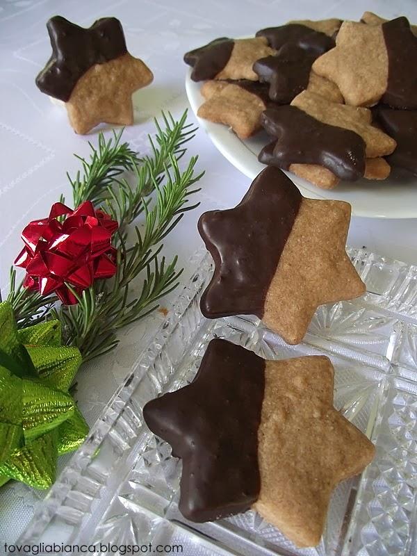 stelline friabili alla cannella con cioccolato