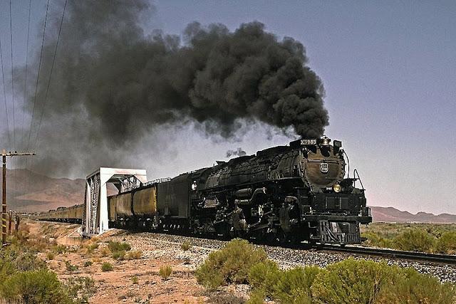 Gambar Kereta Api Lokomotif Uap Union Pacific Challenger 4-6-6-4 3985 06