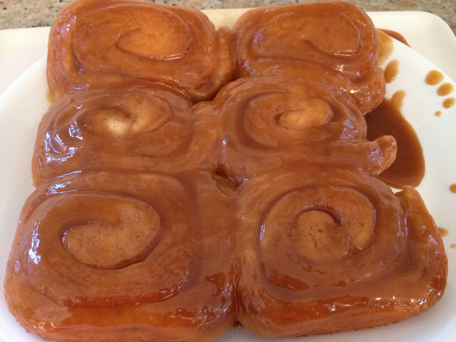 how to make caramel topping for cinnamon rolls