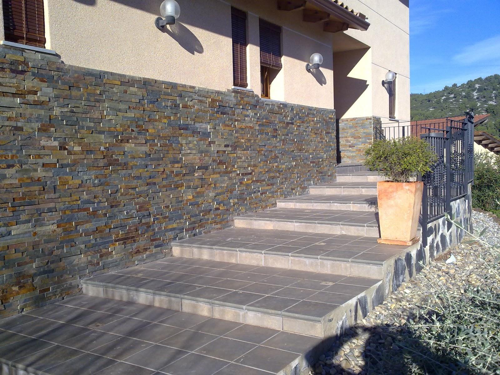construccin de escaleras en exteriores con en gres colocacion de piedra natural y artificial en fachada diseos de jardineria