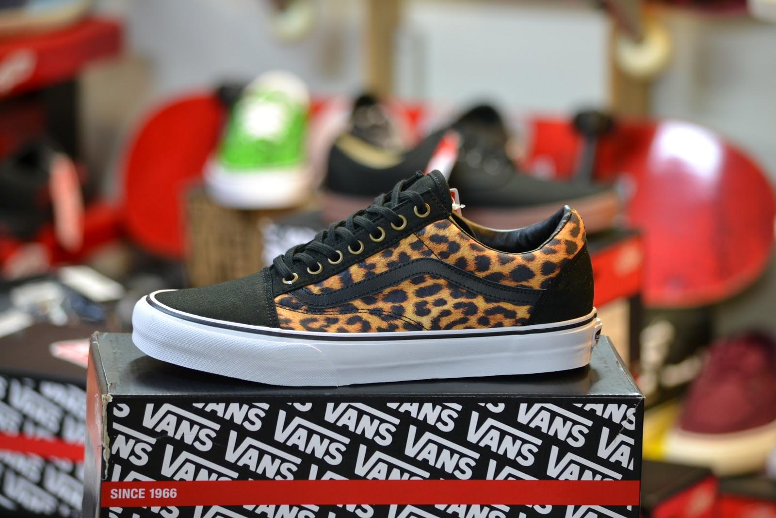 vans old skool leopard black true white