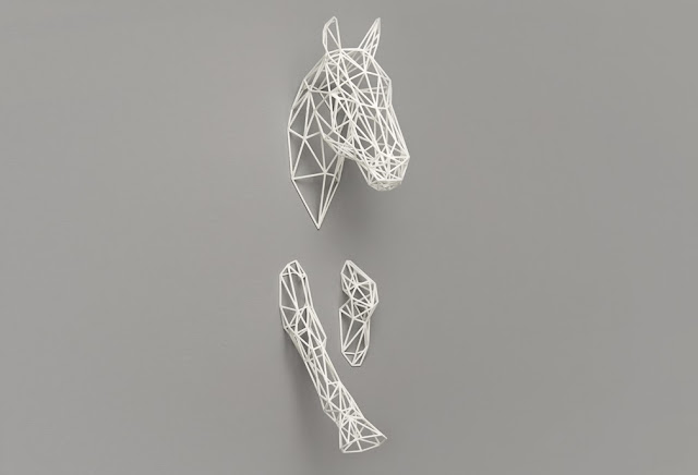 soon salon wire horse
