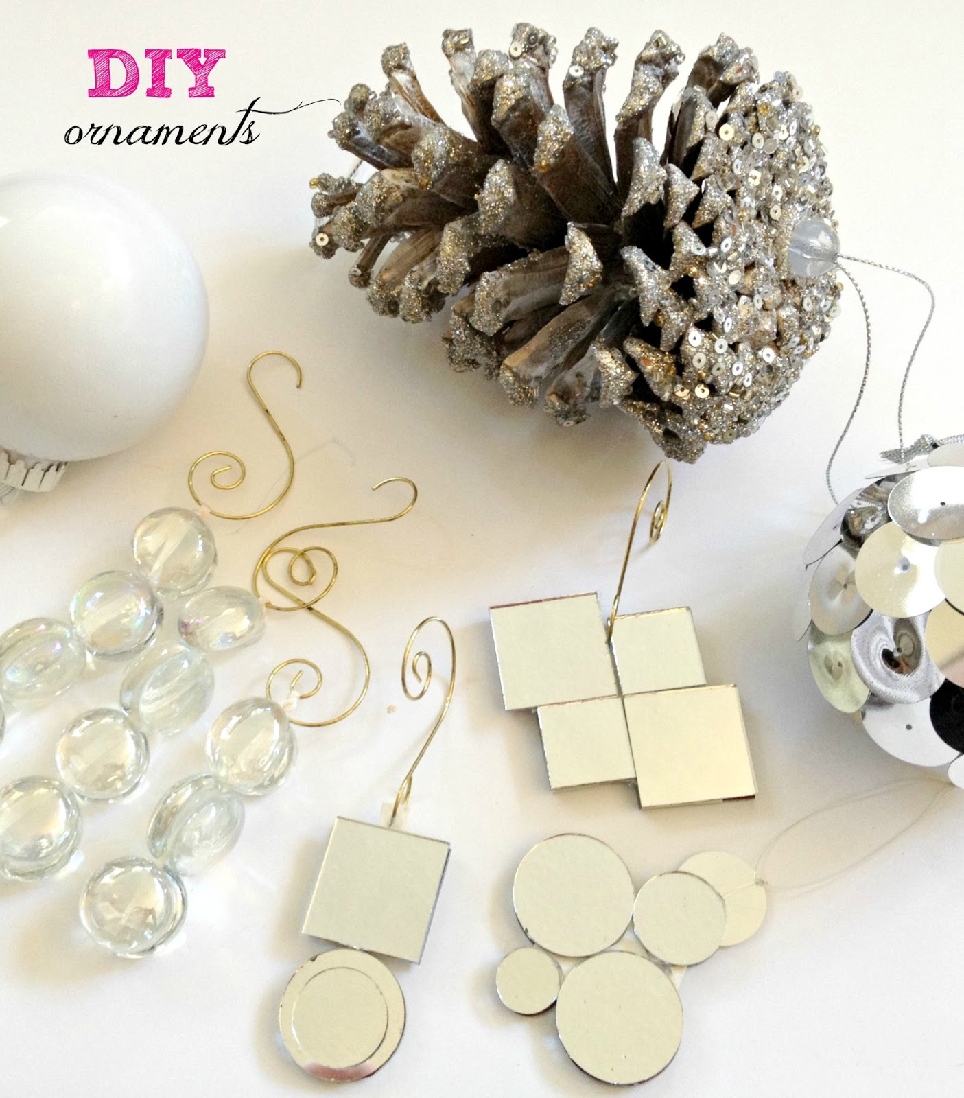 LiveLoveDIY: DIY Christmas Ornaments Ideas