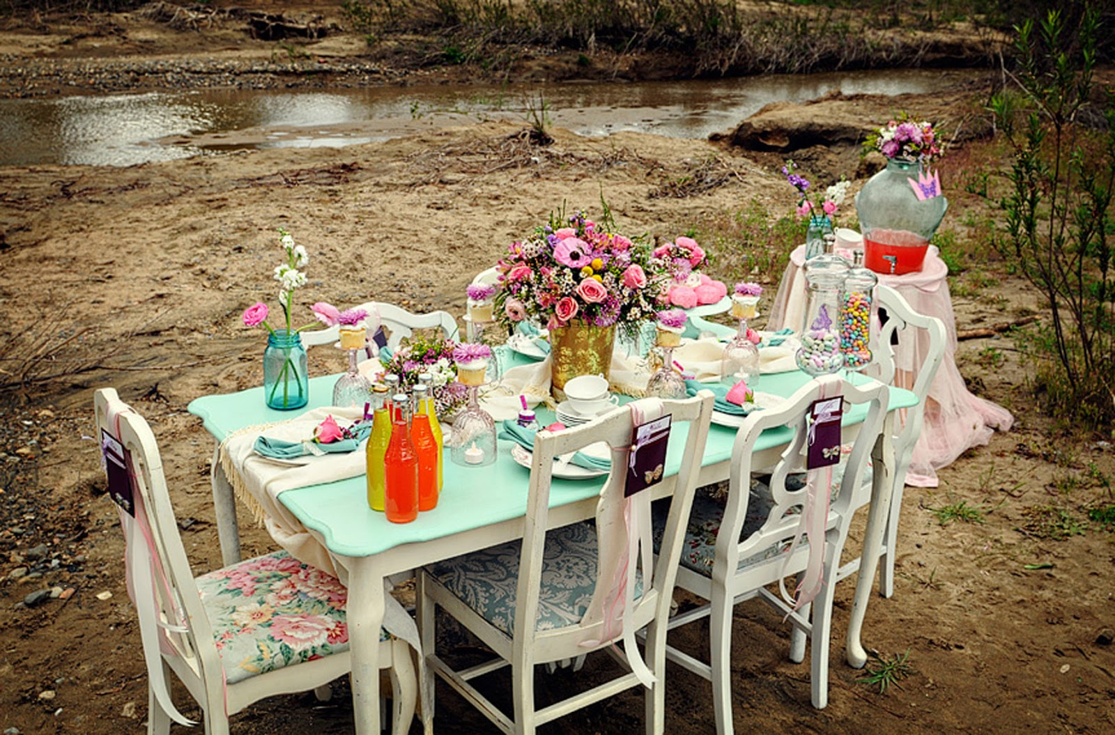 Indonesian Table Setting Ide Table Settings Outdoor Spectrum Paint Indonesia