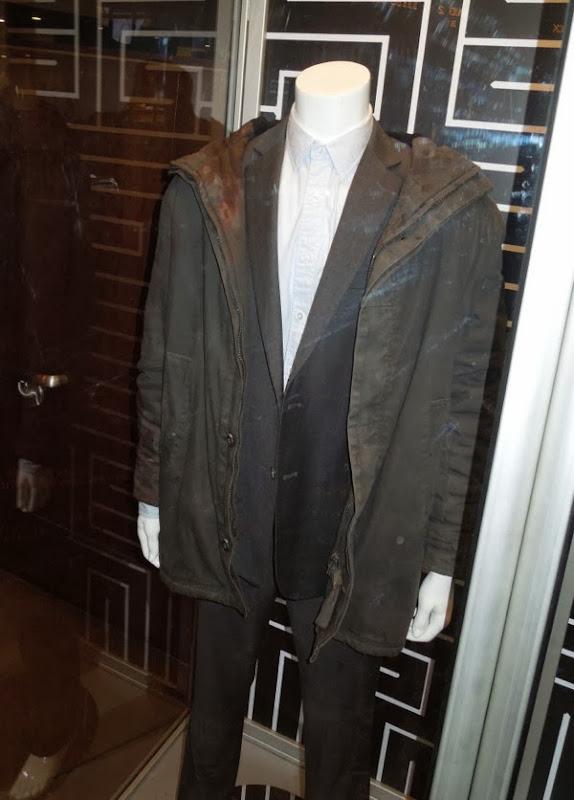 Jake Gyllenhaal Detective Loki Prisoners film costume