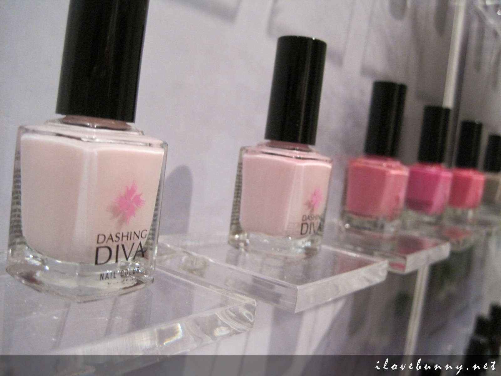 The Latest Nail Sensation, Dashing Diva, Has Hit Our Sunny Singapore ...
