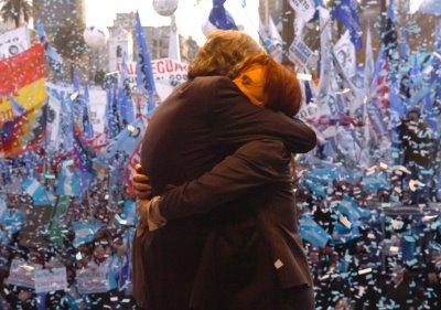 Néstor con Peron!! Cristina con el pueblo!!!! ♥ GRACIAS NÉSTOR Y CRIS POR DEVOLVERNOS LA ESPERANZA!