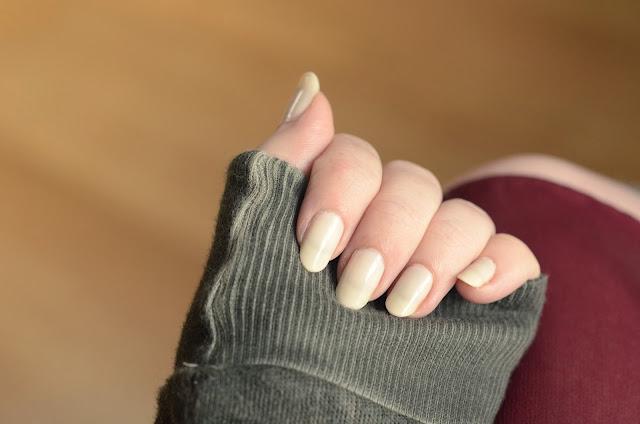 Giorgio Armani Bianca nail lacquer
