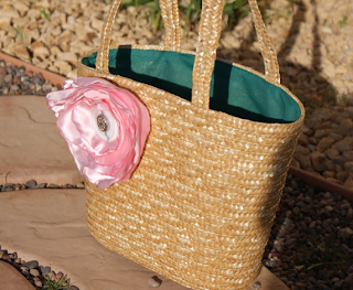 ψάθινη τσάντα