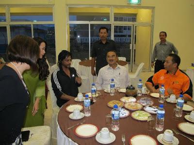 Shah Rukh Khan with Mohd Ali Dastum in Malaysia