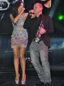 Галена и Гъмзата с шоу в дискотека (снимки)
