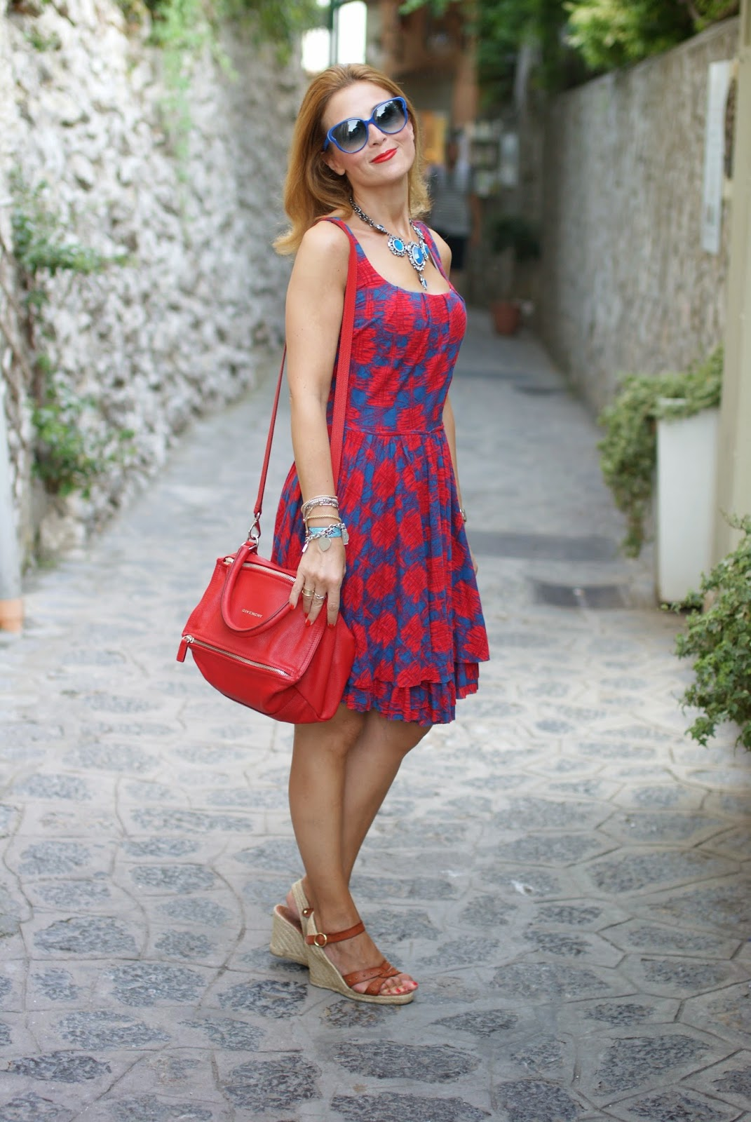 Marc by Marc Jacobs dress, Givenchy Pandora red, Fashion and Cookies, fashion blogger, Villa Cimbrone pics