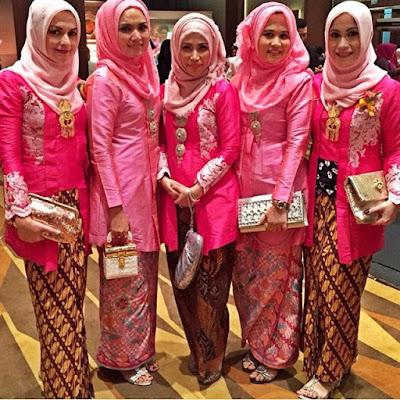 kebaya hijab dengan pink polos rok batik motif parang