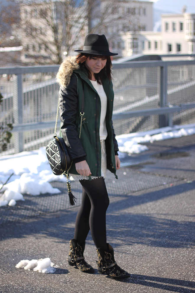 outfit-trend-fashionblogger-nietenboots-isabelmarant-annxi-beigeskleid-zara-parka-lederaermel-newyorker-hut-lierys-tasche-stevemadden-sarenza