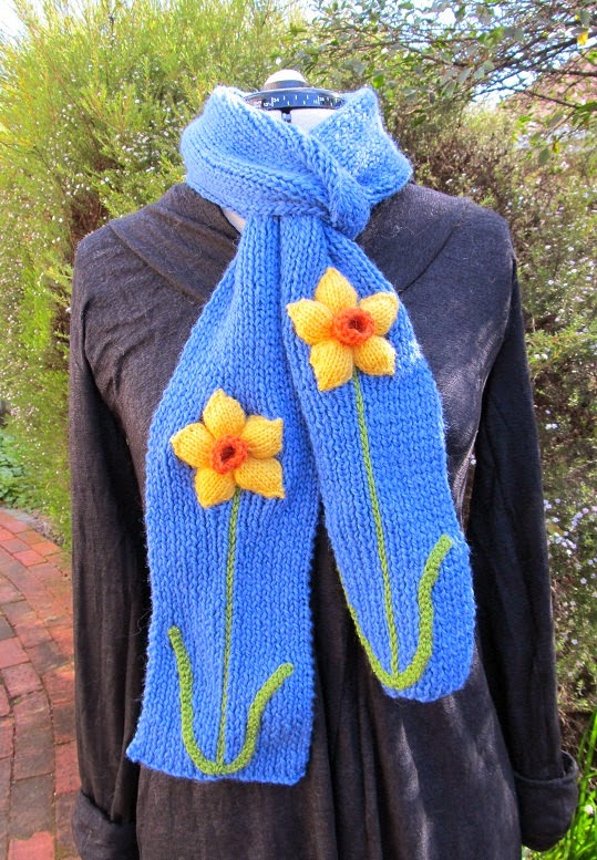 https://www.etsy.com/nz/listing/80032504/daffodil-scarf-hand-knitted-wool?ref=favs_view_2