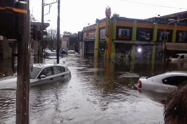 Βιβλική καταστροφή στην Αττική από την καταιγίδα! ΦΩΤΟ & ΒΙΝΤΕΟ