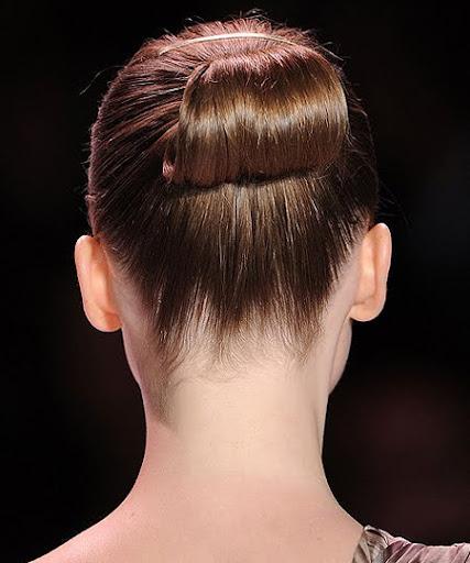 прическа за средно дълга вдигната коса