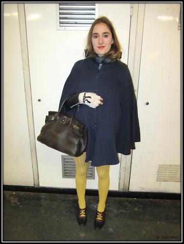 Style de la semaine Gersende collants jaunes laine DD, chaussures richelieu Carel, sac hermès marron écharpe Cyryllus