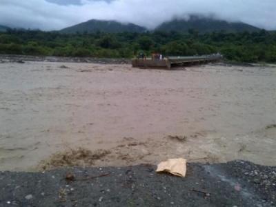 Colapsa puente e incomunica al Sur; Presidente Medina viaja a las zonas afectadas