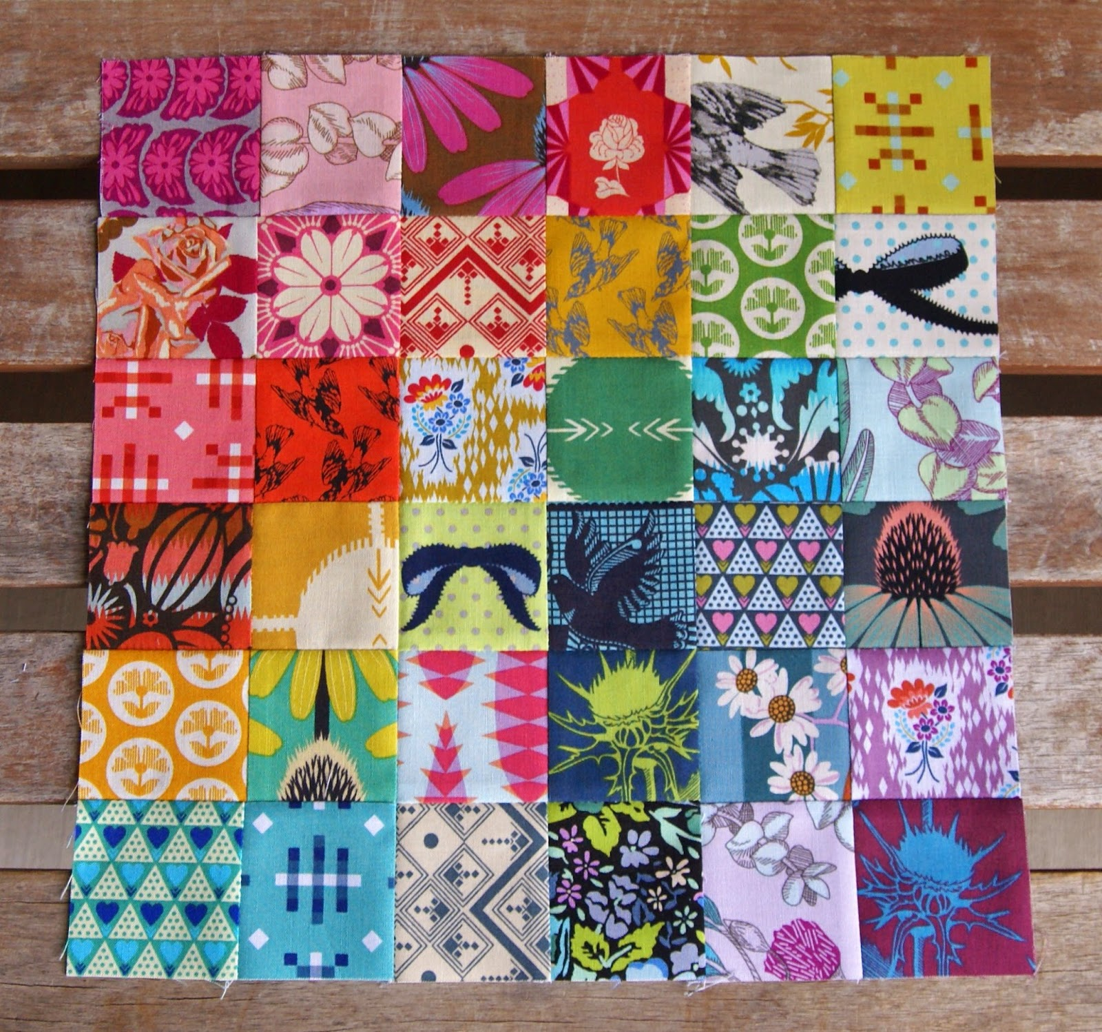 Summer Tourist Quilt block featuring prints by Anna Maria Horner